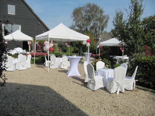regthuis-bruiloft-aankleding